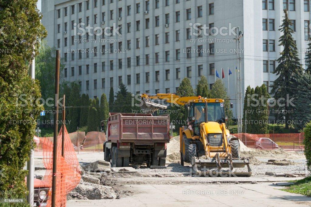 Ukrayna. Ternopil. Açık dış cephe onarım çalışmaları. 05.04.2017 royalty-free stock photo