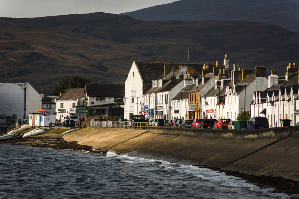 Ullapool shore street shops Shore street in the village of Ullapool, the Highlands of Scotland north coast 500 stock pictures, royalty-free photos & images