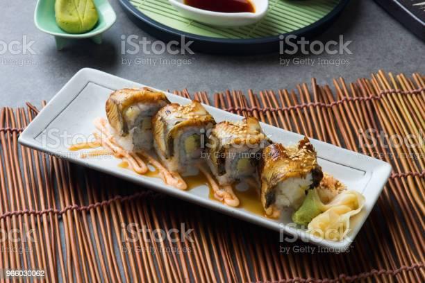Unagi Maki Grillad Japanska Freswater Ål Rulla Sushi-foton och fler bilder på Aperitif - Måltid