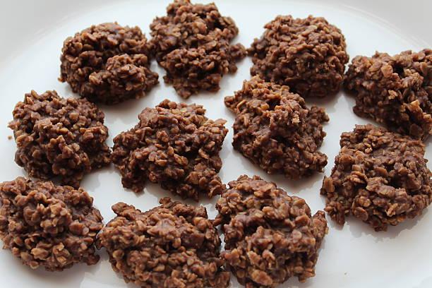 unbaked haferflocken kekse - hafer cookies stock-fotos und bilder