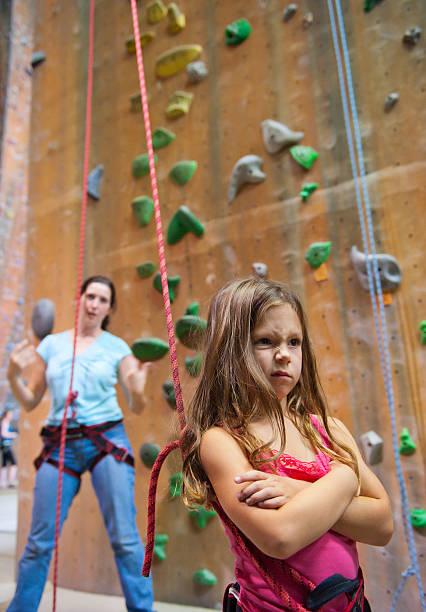 uncooperative little climber - 諷刺畫 個照片及圖片檔