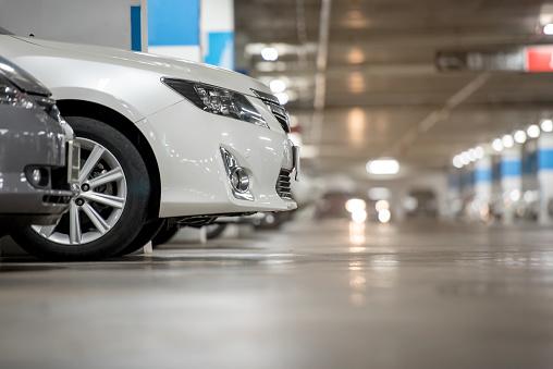 istock Underground japan white car parking/garage 658610224