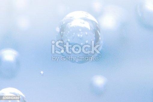 962817120 istock photo underwater bubbles 526840449