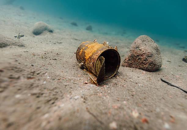 ordures sous-marine - au fond de photos et images de collection