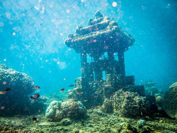 underwater sunken artificial reef, pyramids, jemeluk, tulamben, amed, bali - artificial reef stock pictures, royalty-free photos & images