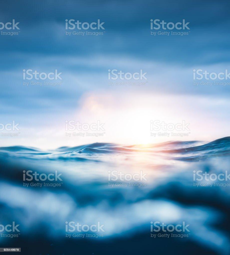 Unterwasser-Sonnenuntergang – Foto