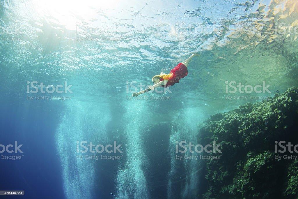 Korallen Unterwasser Schwimmen in der Nähe – Foto