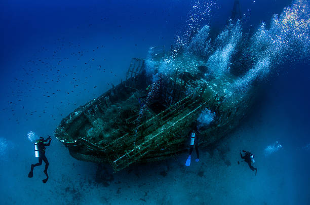 underwater wreck - shipwreck stock pictures, royalty-free photos & images