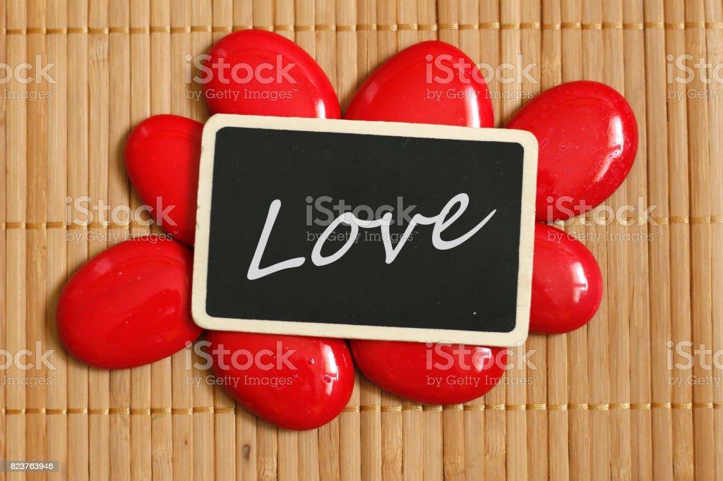 Une Ardoise Avec Un Message Amour En Anglais Entourée De