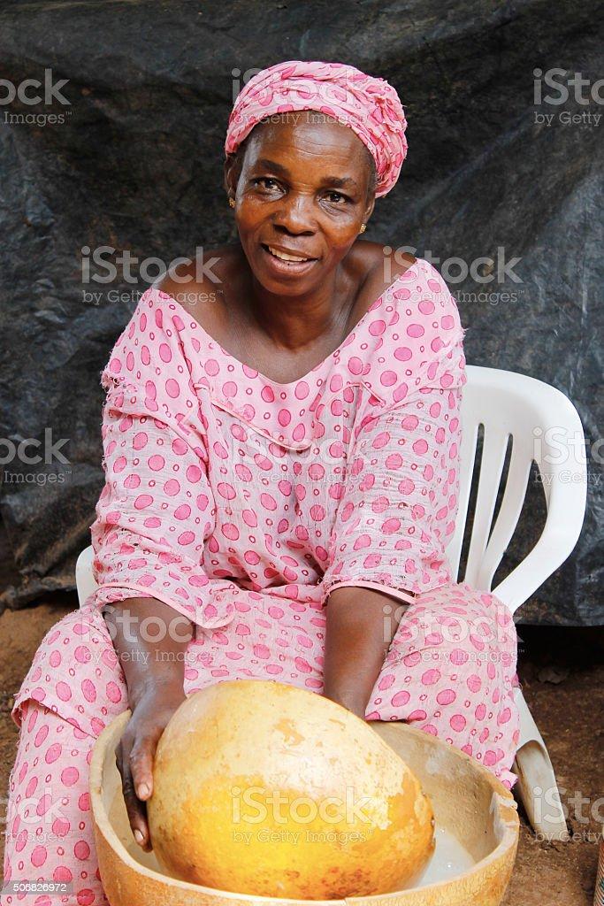 Une femme en cuisine stock photo