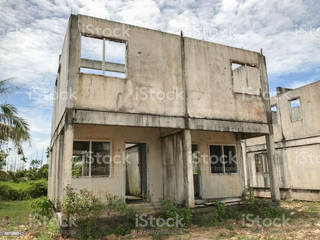unfertige Haus zum Verkauf Lizenzfreies stock-foto