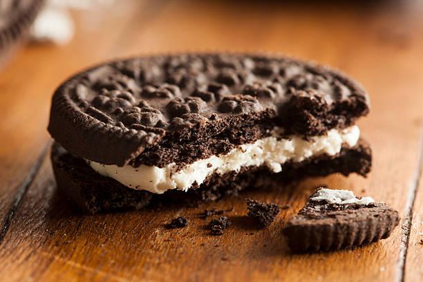 Nada de Cookies com recheio de creme de Chocolate - foto de acervo