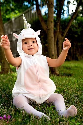 Unicornio Costumed Child