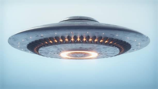 unidentified flying object uitknippad - buitenaards wezen stockfoto's en -beelden