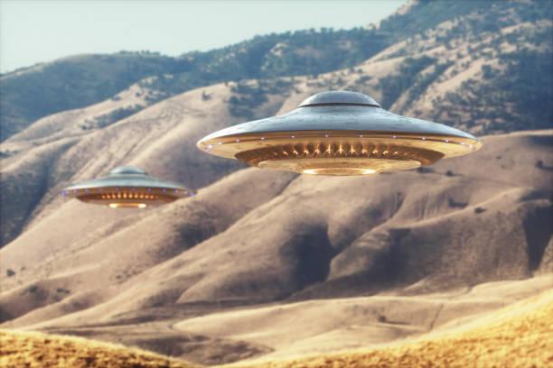 ufo-unidentified flying object - buitenaards wezen stockfoto's en -beelden