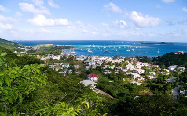 union island clifton bay grenadinen inseln - st. vincent und die grenadinen stock-fotos und bilder