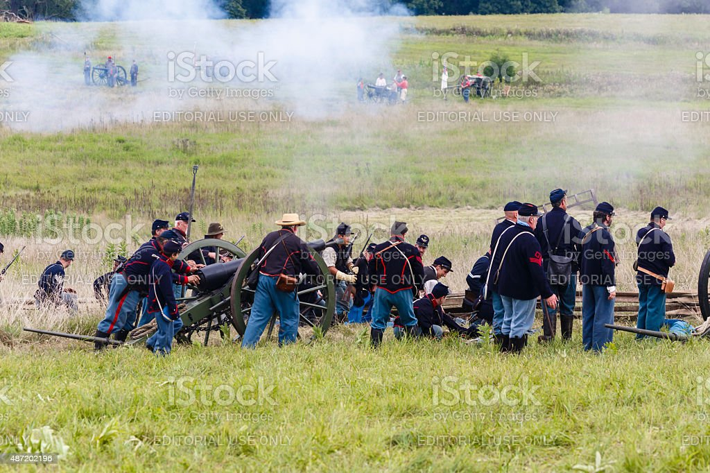 Union Soldiers Fire On Advancing Confederate Troops stock photo
