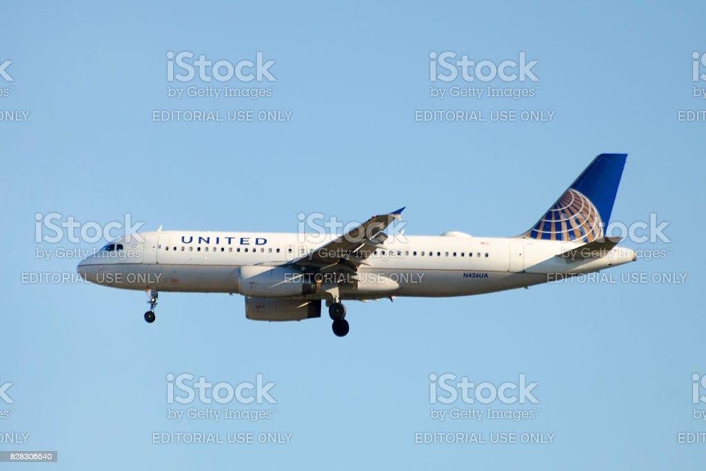 United Airlines Airbus A320-200 kommerziellen Passagier Jet Flugzeug – Foto