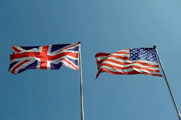 Vereinigtes Königreich und USA-Flaggen – Foto