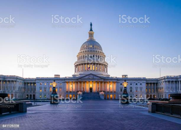 United states capitol building at sunset washington dc usa picture id641125228?b=1&k=6&m=641125228&s=612x612&h=wdykkmcegjnvlacxotvwov3ynz1hlormux1z03 fym8=