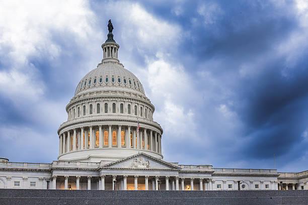 Estados Unidos Capitol Building : Calmaria Antes da Tempestade - foto de acervo