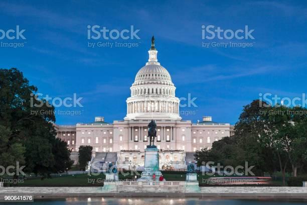 United states capitol building washington dc usa picture id960641576?b=1&k=6&m=960641576&s=612x612&h=y1cprmeaekxqfcgp5ik9rtxd l5vm75fpbs3cxxh ng=