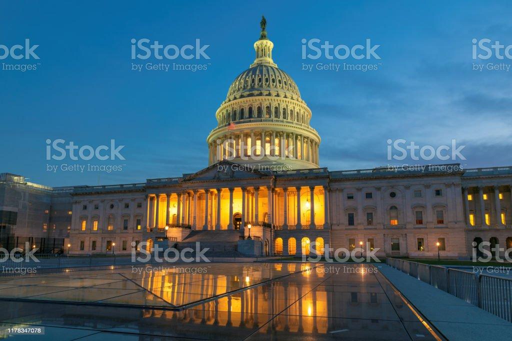 アメリカ合衆国議会議事堂 - アメリカ共和党のストックフォトや画像を ...