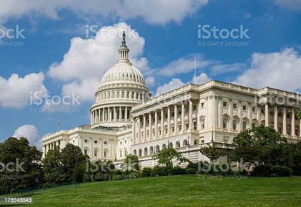 United states capitol washington dc usa picture id173243043?b=1&k=6&m=173243043&s=612x612&h=hq7ucwr6jjpzvq9r drypssjmao5fdl8aosvbfypyfs=