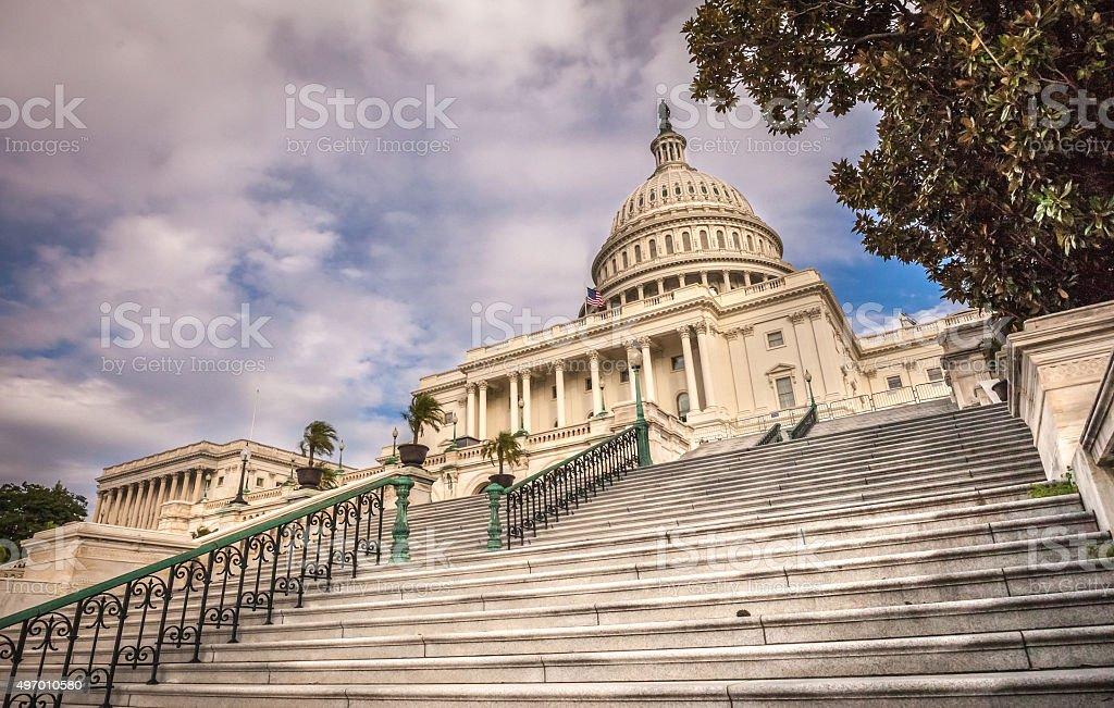 une vue de la faaade ouest. États-Unis Capitol à Quelques Pas De La Façade Ouest (vue Grand Angle Photo Une Vue Faaade -
