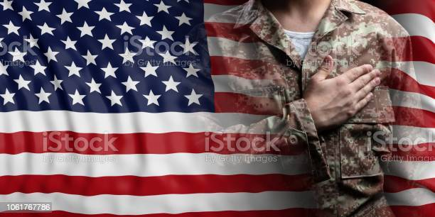 United states of america flag and soldier with hand on his heart 3d picture id1061767786?b=1&k=6&m=1061767786&s=612x612&h=pqcngjaj5ckgkhy75caiyavjprikdzujcsv8wzuavmw=