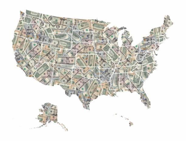 mapa de los estados unidos de américa formado con billetes de dólares americanos aislados sobre fondo blanco - us map fotografías e imágenes de stock