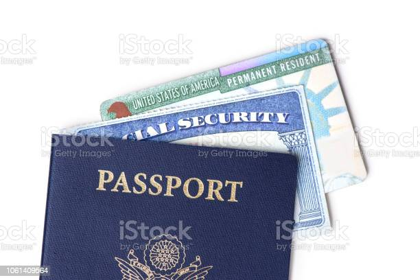 United States Passport Social Security Card And Resident Card Isolated On White Background Immigration Concept - Fotografias de stock e mais imagens de Autorização