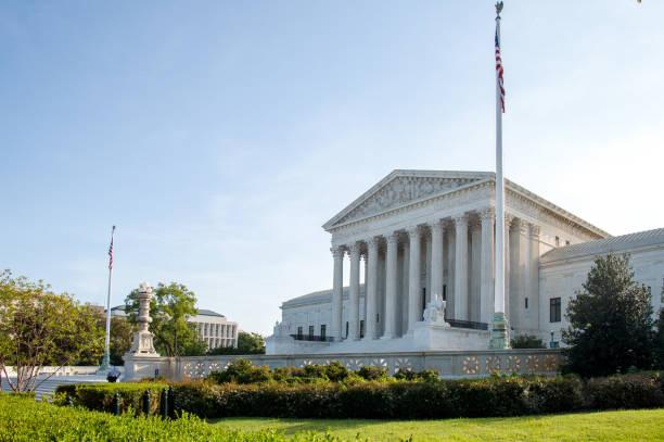 amerika birleşik devletleri yüksek mahkemesi - abd yüksek mahkemesi binası stok fotoğraflar ve resimler