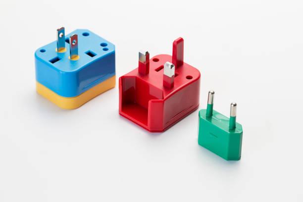 universelles plug reiseadapter - adapter stock-fotos und bilder