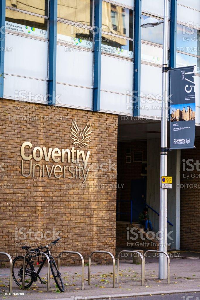Universidad de Coventry, en Reino Unido - foto de stock