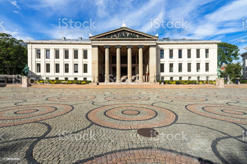 University of Oslo neoclassical building, which housing the faculty of law, Norway University of Oslo neoclassical building, which housing the faculty of law. Oslo, Norway, August 2018 Architecture Stock Photo