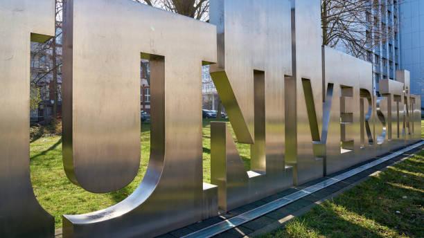 University – Foto