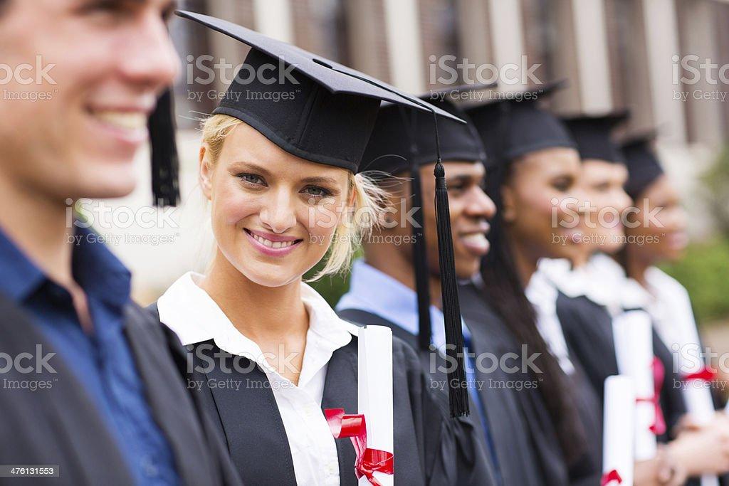 8423b8344 Estudiante de universidad graduación de vestimenta foto de stock libre de  derechos