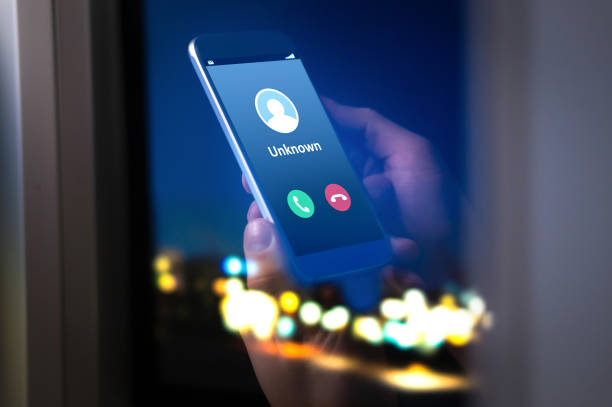 unknown number calling in the middle of the night. phone call from stranger. - phishing stock photos and pictures