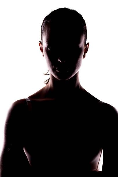 unbekannten person - gegenlicht stock-fotos und bilder
