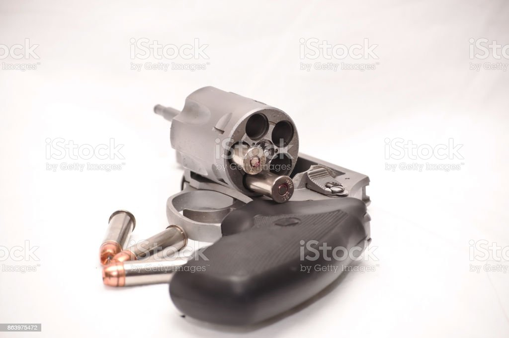 Revólver descargado - foto de stock