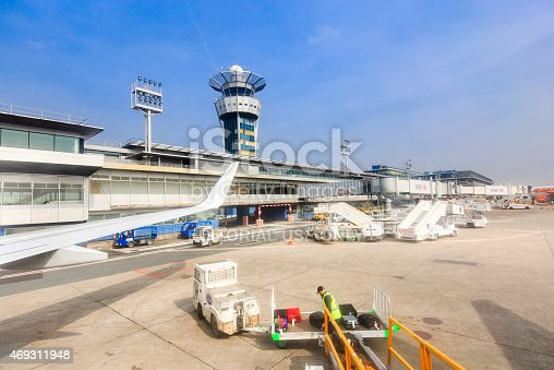 186763256 istock photo Unloading of baggage in airport of Orly 469311948