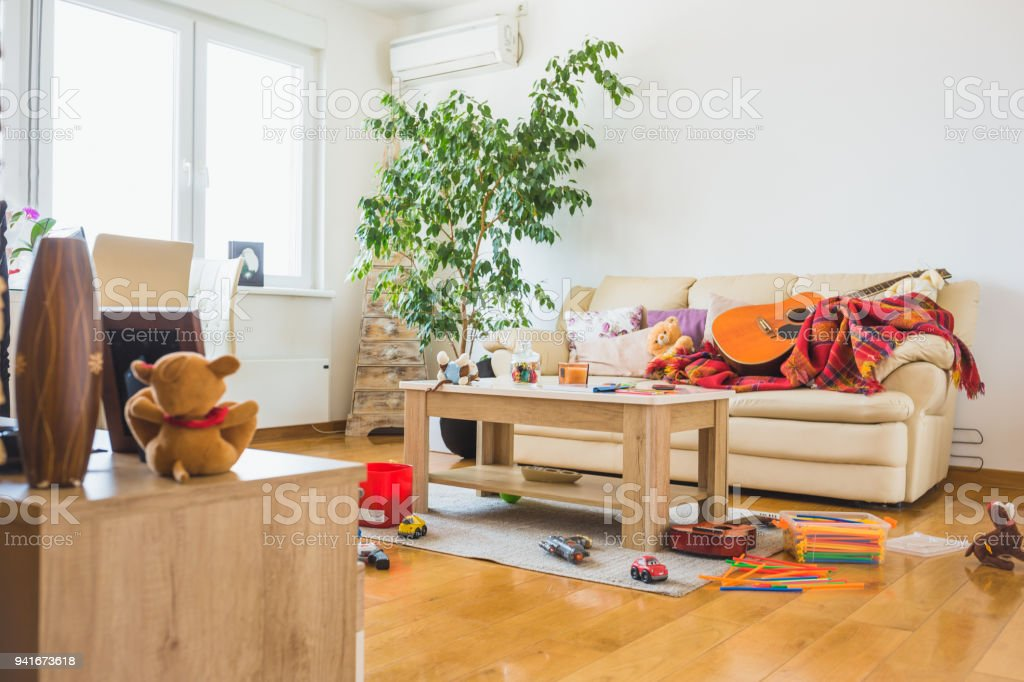 Untidy living room - fotografia de stock