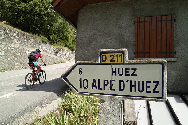 Uphill with bike on road D 211 to Alpe D'Huez​​​ foto
