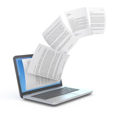 Hochladen Von Dokumenten Und Laptop Stockfoto und mehr Bilder von Akte