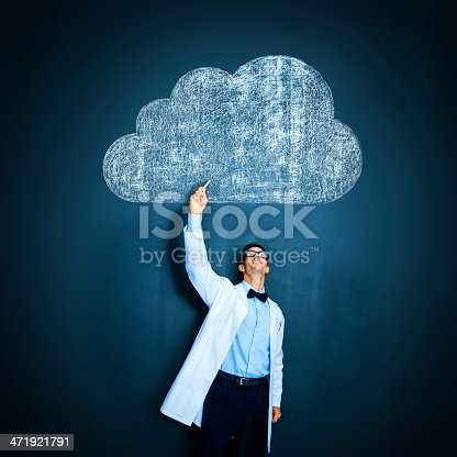istock Uploading to the cloud 471921791