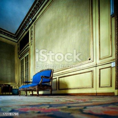 istock upper class mansion 172781793