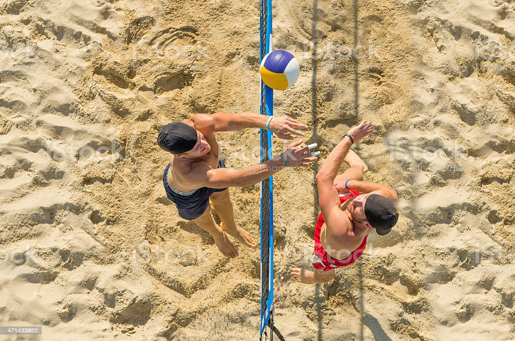 Haute vue de belles Beach Volley Action sur le Net - Photo