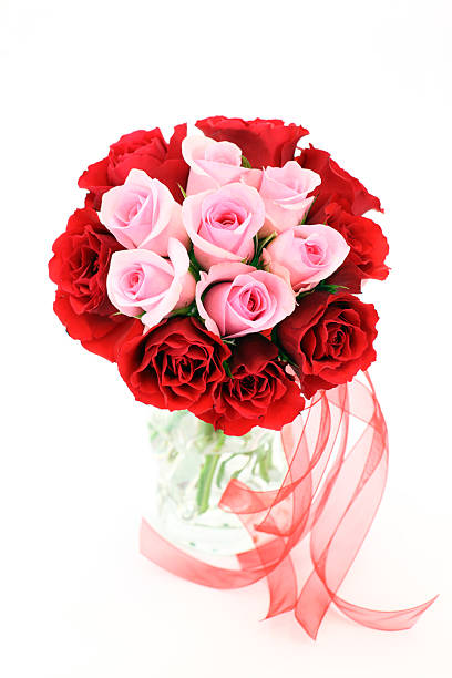 Upright red and pink rose wedding or valentines flower bouquet picture id182367378?b=1&k=6&m=182367378&s=612x612&w=0&h=8vbptki9ywgxszvkcd1tpurpmz slpioefknsezw1ds=