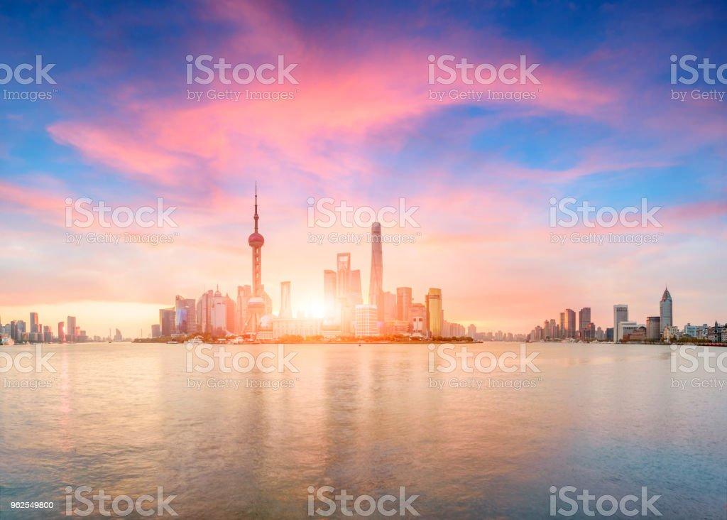Grupo de construção urbana em Xangai, China - Foto de stock de Arquitetura royalty-free